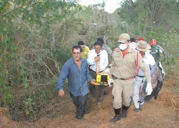Familiares e funcionários da fazenda acompanharam resgate, em Goiás (Foto: Claudemir Ratinho/ Arquivo Pessoal)