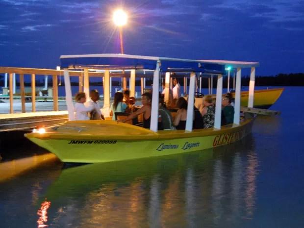 Barcos fazem passeio pela lagoa (Foto: Divulgação/Turismo Jamaica)