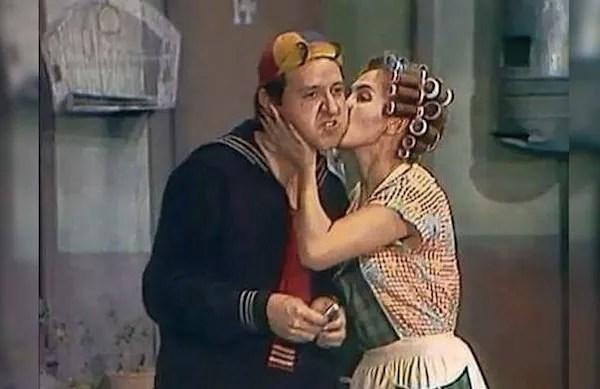 Carlos Villagrán como Quico e Florinda Meza como Dona Florinda em cena de Chaves (Foto: Reprodução)