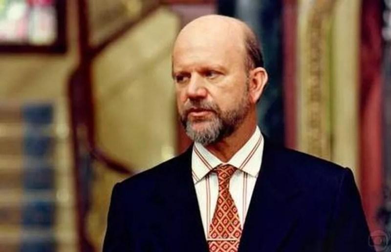 Cecil Thiré na novela 'A próxima vítima' — Foto: Reprodução/TV Globo