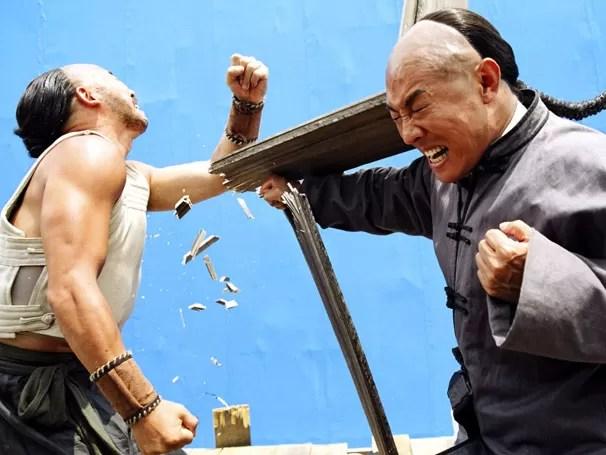No filme, o mestre Huo Yuanja (Jet Li) luta pela honra da China  (Foto: Divulgação)