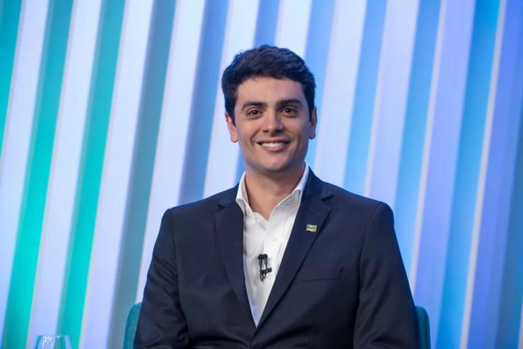 Rodrigo Tavares, candidato do PRTB ao Governo de SP, durante debate no estúdio da Globo em São Paulo — Foto: Celso Tavares/G1
