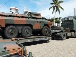 Tropas militares chegaram a Natal na manhã desta quinta-feira (20) para conter ataques criminosos no estado (Foto: Rodrigo Martins/TVU)
