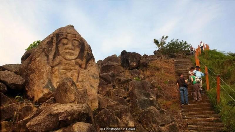 Pouco se sabe sobre a sociedade pré-colombiana responsável pelas câmaras funerárias e estátuas encontradas em Tierradentro e San Agustín — Foto: Christopher P Baker/BBC Travel