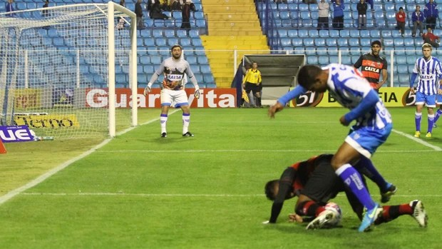 Avaí Atlético-GO Ressacada Série B 2013 (Foto: Jamira Furlani/Avaí FC)