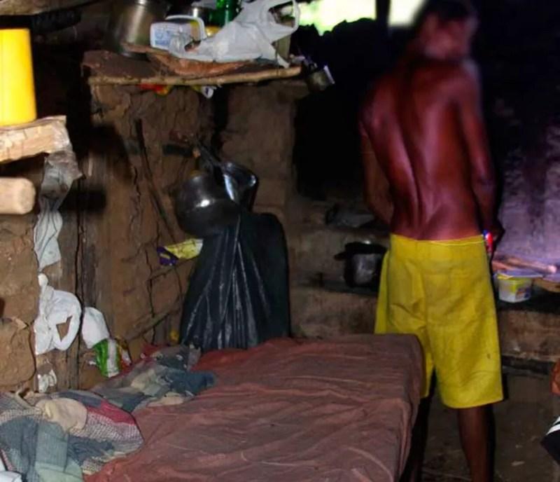 Lavradores resgatados de trabalho análogo à escravidão em fazenda na Bahia ganhavam R$ 40 por 10h de jornada e moravam em casa sem água nem banheiro (Foto: Divulgação/MPT)