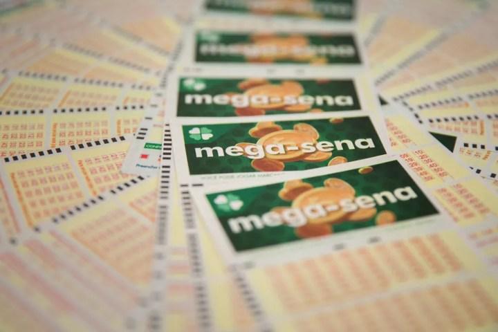 Mega-Sena pode pagar R$ 6 milhões nesta quarta (3) — Foto: Marcelo Brandt/G1