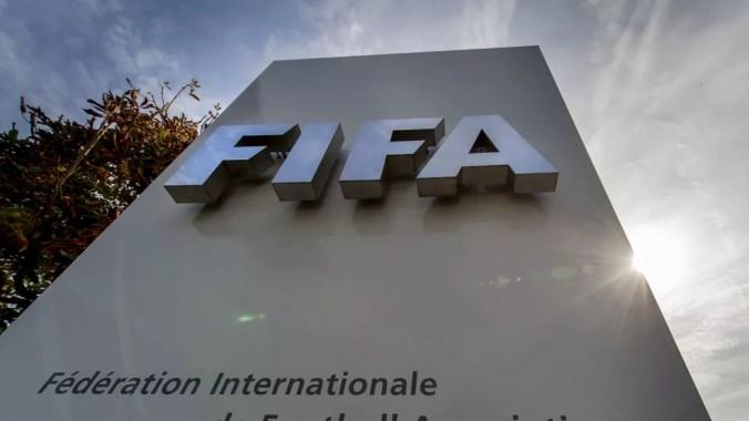 Decisão da Fifa gerou polêmica na América do Sul, mas é bem aceita no Brasil — Foto: Divulgação/Fifa