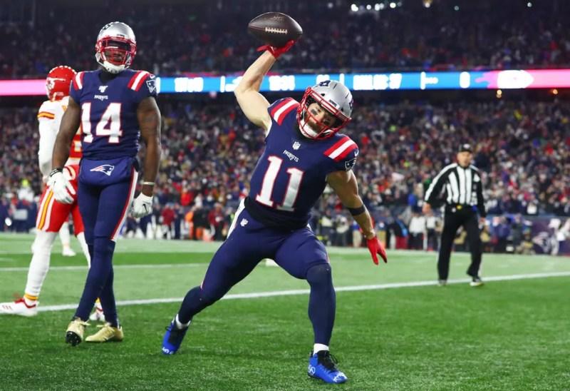 MVP do Super Bowl, astro dos Patriots é detido por vandalismo em Beverly Hills, mas é liberado