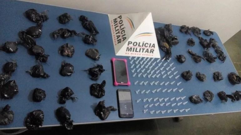 Droga foi transportada de Sete Lagoas para Buenópolis — Foto: Polícia Militar/Divulgação