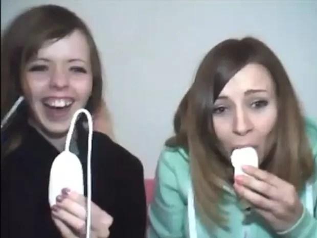 Jovens tiveram dificuldade em consumir a sobremesa bizarra (Foto: Reprodução)