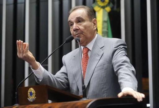 O senador Agripino Maia (DEM-RN) durante discurso na tribuna do Senado (Foto: Moreira Mariz/Agência Senado)