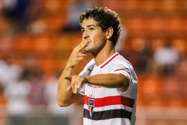 Alexandre Pato gol São Paulo x Capivariano (Foto: Thiago Bernardes / Ag. Estado)