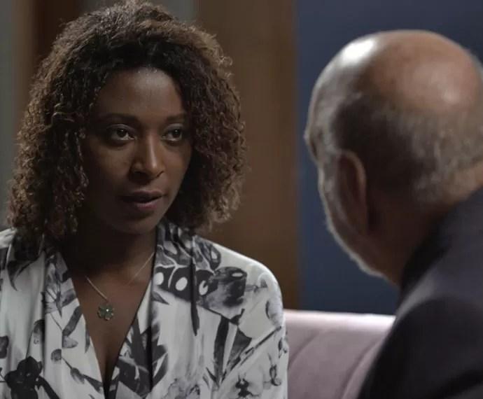 Deodora aceita a proposta do mafioso pensando no futuro de Lilica (Foto: TV Globo)