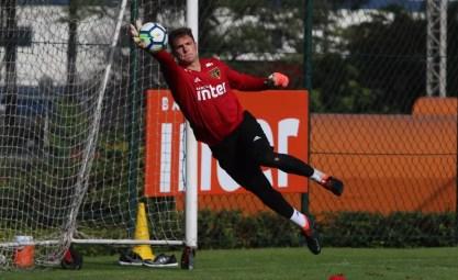 Lucas Perri, goleiro do São Paulo, é visto com potencial para o futuro (Foto: Rubens Chiri/saopaulofc.net)