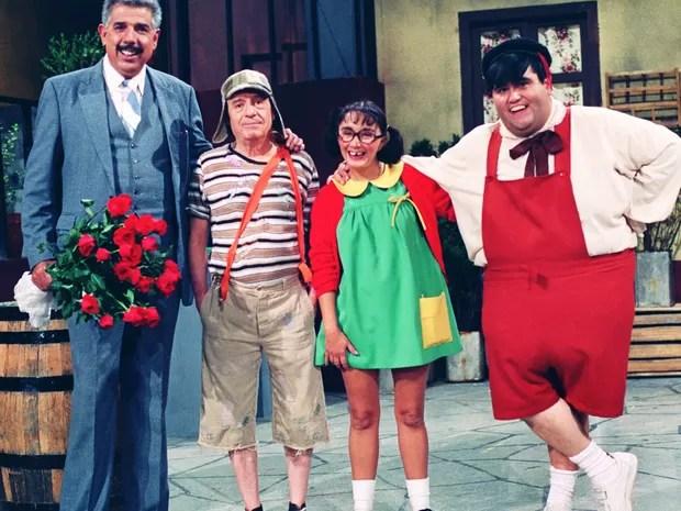 Professor Girafales (Rubén Aguirre), Chaves (Roberto Bolaños), Chiquinha (Maria Antonieta de Las Nieves) e Nhonho (Edgar Vivar) (Foto: Divulgação/SBT)