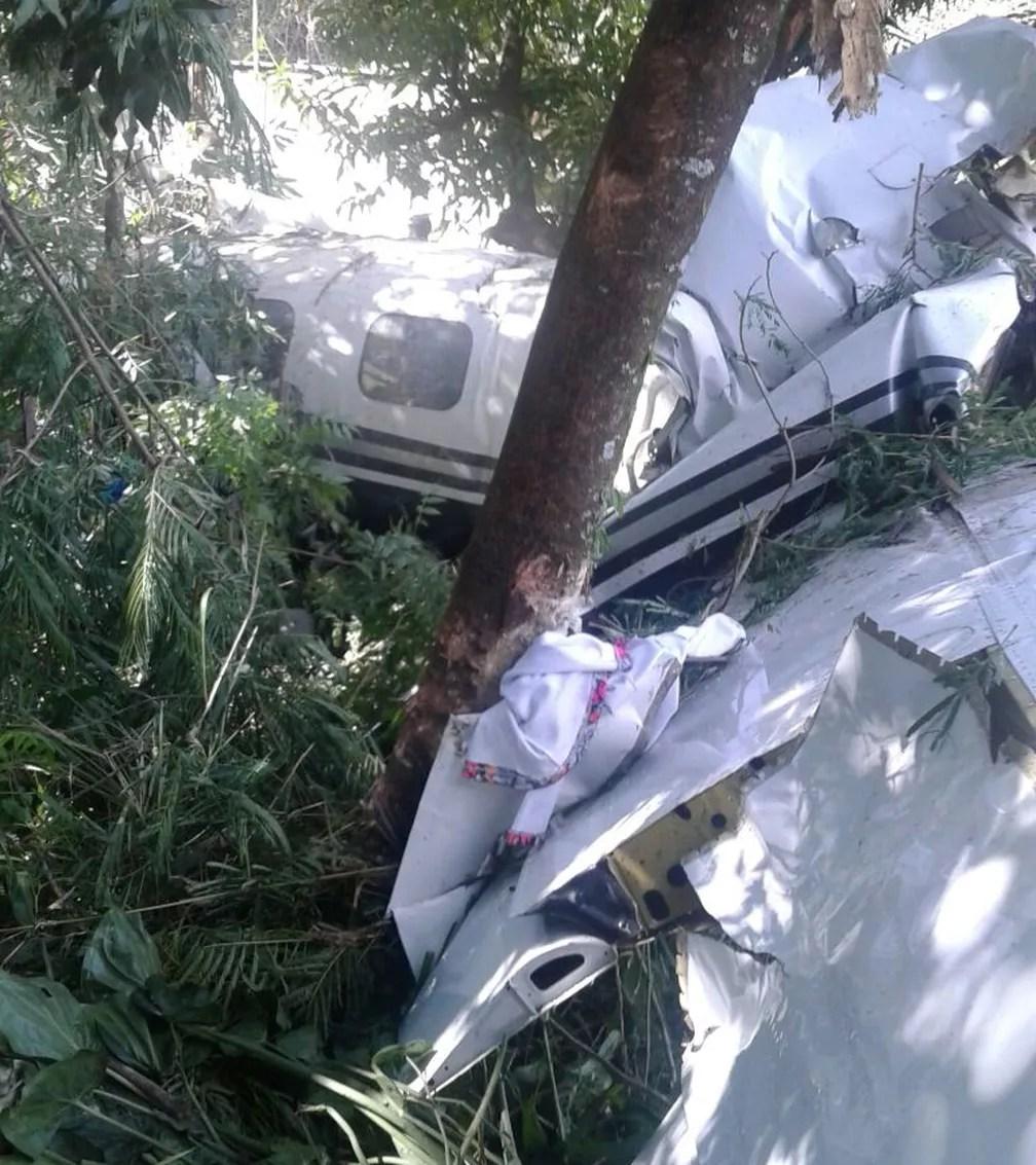 Avião caiu na zona norte de Sorocaba nesta sexta-feira (Foto: Arquivo Pessoal)