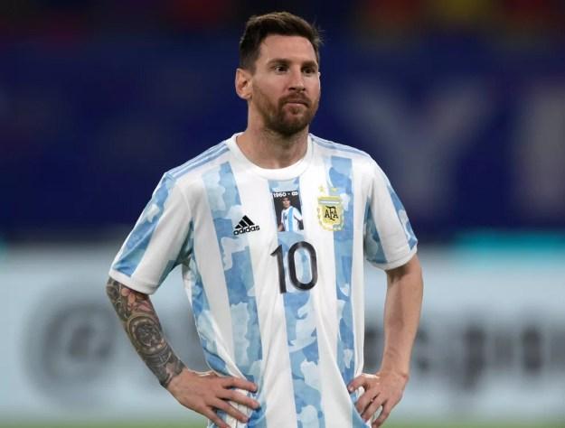 Messi com a camisa da seleção argentina — Foto: Juan Mabromata/EFE