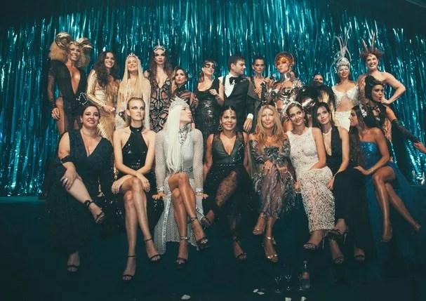 Blogueira se desculpa após usar fantasia polêmica no baile da Vogue