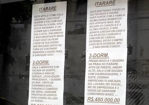 Corretora anuncia imóveis em placas com mensagens divertidas (Foto: Mariane Rossi/G1)