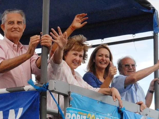 Weslian Roriz faz campanha ao lado do marido Joaquim Roriz (Foto: Divulgação / Assessoria)