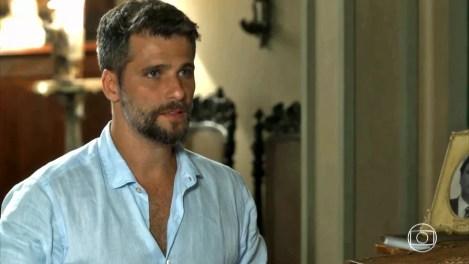 Gabriel se surpreende com decisão de Valentina — Foto: TV Globo
