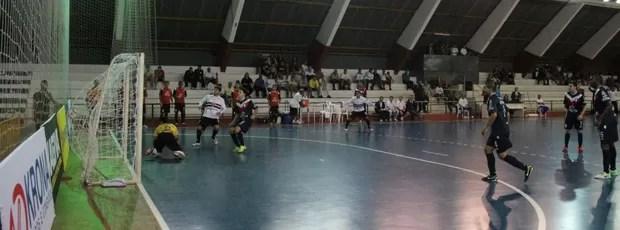 Joinville São Paulo/Suzano Liga Futsal (Foto: Thiago Fidelix)
