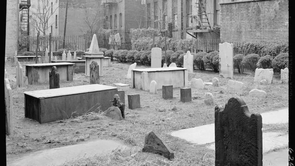 Cemitério antigo judeu em Nova York — Foto: Biblioteca do Congresso dos EUA/BBC