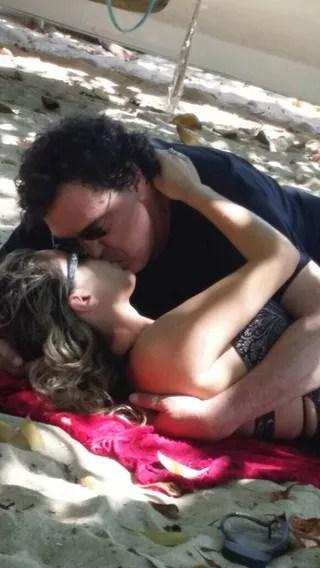 Walter Casagrande beija amiga (Foto: (Foto gentilmente cedida pela coluna Leo Dias do jornal O Dia))