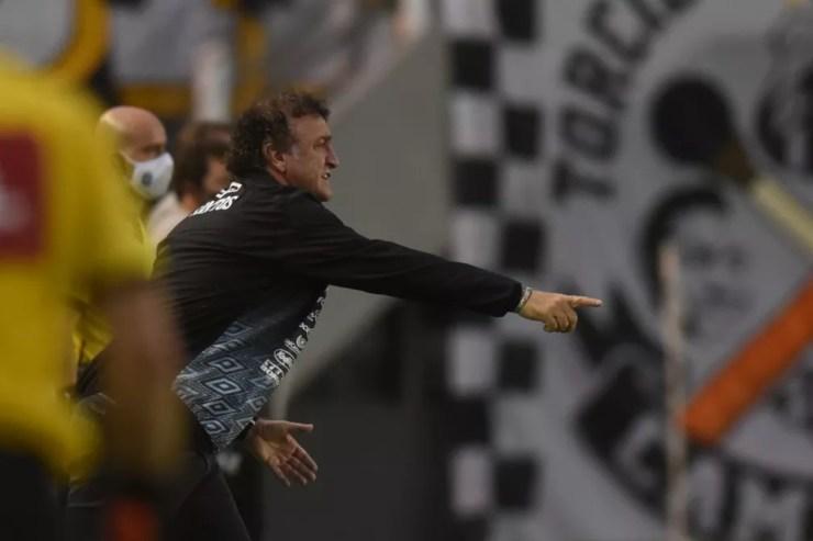 Cuca, técnico do Santos, em ação contra o Ceará — Foto: Ivan Storti / Santos FC