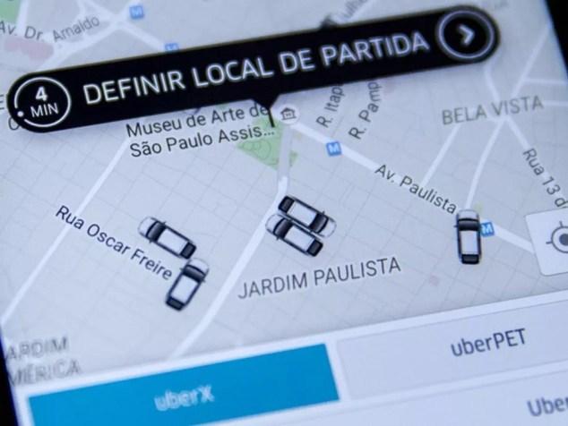 Tela do aplicativo de celular Uber em São Paulo, na região da Avenida Paulista (Foto: Marcelo Brandt/G1)