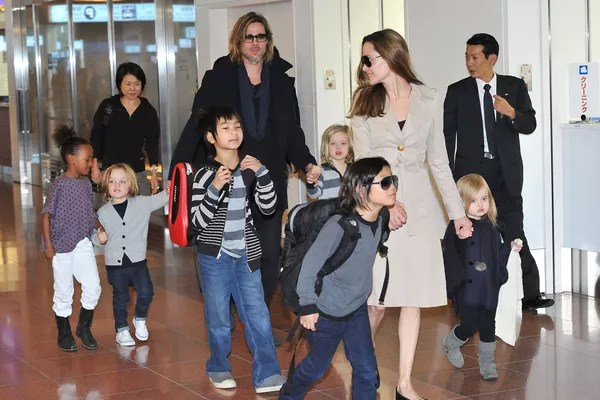 Brad Pitt and Angelina Jolie in 2011 record with six children: Maddox, Pax, Zahara, Shiloh, Knox and Vivienne (Photo: Getty Images)