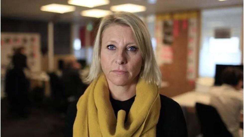 A jornalista Annemarte Moland mapeou uma rede de jovens que fazem posts incentivando o suicídio e a automutilação — Foto: BBC