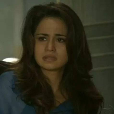 Nanda Costa em cena: Morena fugirá com ajuda de Mustafá (Foto: Reprodução)