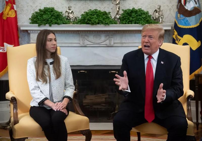 Presidente dos EUA, Donald Trump, encontrou Fabiana Rosales, mulher do autodeclarado presidente interino da Venezuela, Juan Guaidó  — Foto: Saul Loeb / AFP