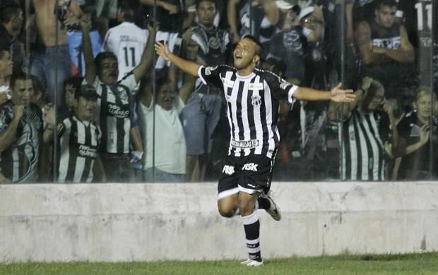 Rogerinho deixa o Ceará (Foto: Tuno Vieira / Ag. Diário)