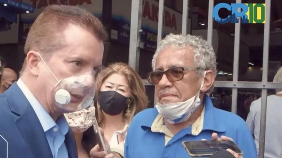 Celso Russomanno em campanha com máscara que não funciona contra o coronavírus, segundo especialistas — Foto: Reprodução/Facebook Celso Russomanno