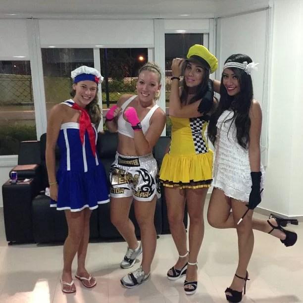 Neymar faz festa a fantasia com amigos (Foto: Reprodução/Instagram)