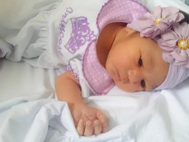 Recém-nascida de 10 dias que morreu no Agreste (Foto: Aline Mikaelly/ Arquivo Pessoal)