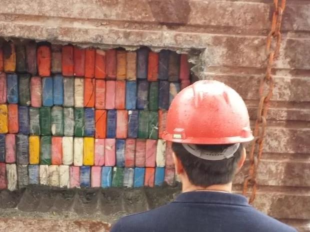 Embalagens de cocaína estavam escondidas dentro de pedras em SC (Foto: Receita Federal/Divulgação)