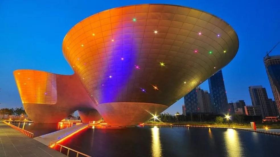 Alguns dos melhores arquitetos e designers urbanos do mundo participaram do projeto da cidade — Foto: Getty Images via BBC
