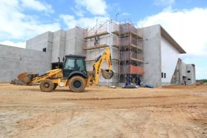 Hospital Regional do Norte, em Porto Calvo, deve ser inaugurado em julho; obras começaram em 2017 — Foto: Secom/ Dárcio Monteiro