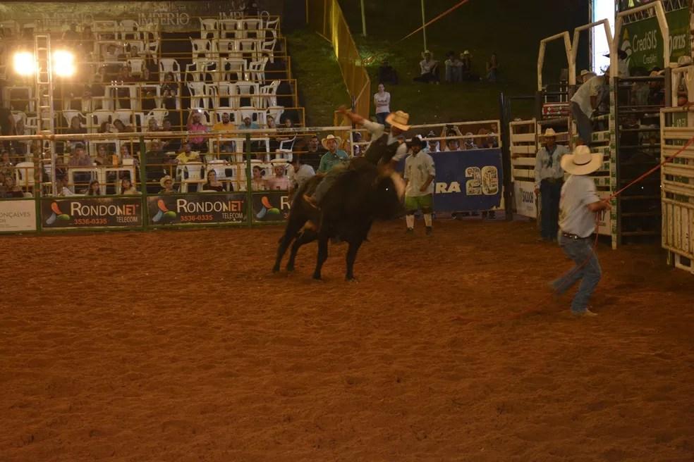 Rodeio qualificativo teve decisão dos 10 finalistas da etapa classificatória — Foto: Jeferson Carlos/G1