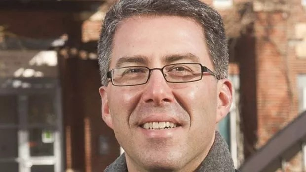 O pesquisador americano Dan Butin diz que os alunos precisam de professores que os desafiem. (Foto: Rick Friedmann/BBC)