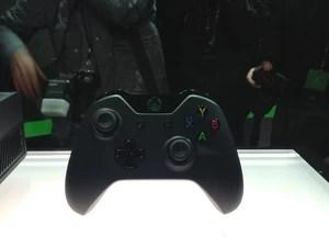 Controle do novo console da Microsoft, o Xbox One, apresentado pela empresa nesta terça-feira (21) (Foto: Bruno Araújo/G1)
