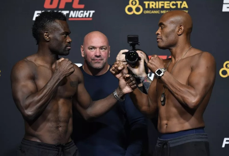 Uriah Hall Anderson Silva encarada UFC — Foto: Getty Images