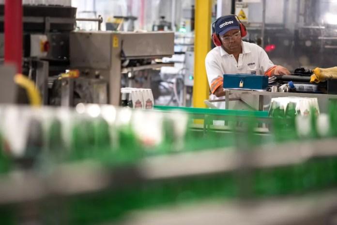 Fábrica da Ambev em Jaguariúna (SP) — Foto: Marcelo Brandt/G1