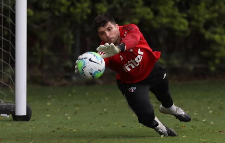 Tiago Volpi em treino do São Paulo — Foto: Divulgação São Paulo
