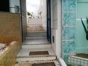 Condomínio onde delegado foi morto em Lauro de Freitas, região metropolitana de Salvador (Foto: Henrique Mendes/G1)