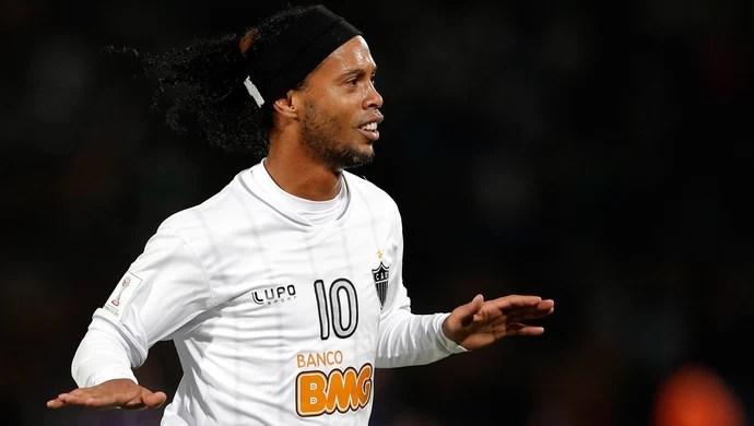 Ronaldinho gol, Atlético-MG x Raja Casablanca (Foto: AP)
